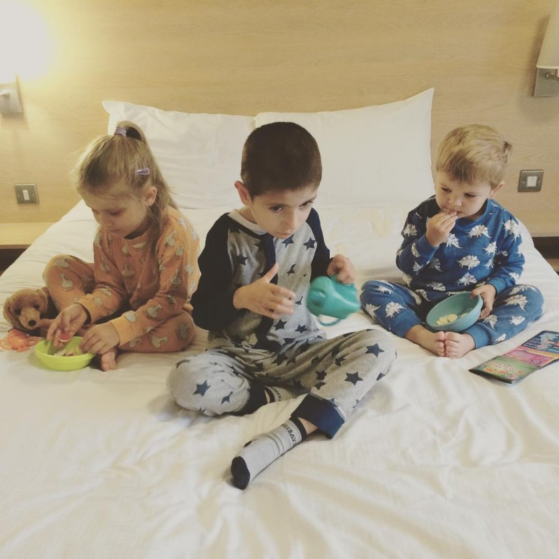 Back to our @travelodgeuk and we are having treats before sleep. Well it is our mini holiday after all. #avaandluc #iccsummer15 #iccmkadventure #travelodge #travellingwithkids
